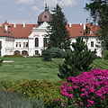 The recently renewed park of the Grassalkovich Palace of Gödöllő (also known as the Royal Palace) - Gödöllő (Jedľovo), Maďarsko