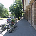 Streetscape with bicycles - Kiskunfélegyháza, Maďarsko