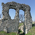 The still standing wall of the former castle with two window openings - Csővár, Maďarsko