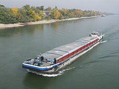 A river freighter ship on the Danube - Budapeşte, Macaristan