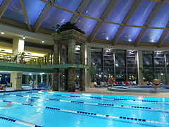 Indoor swimming pool - Budapest, Hongrie