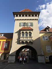 The Heroes' Tower or Heroes' Gate, today it is the Town Museum - Kőszeg, Hongrie