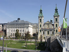 The Március 15. Square from the Elisabeth Bridge - Budapeszt, Węgry
