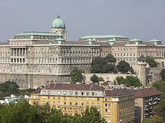 The Buda Castle Palace, viewed from the Gellért Hill - Budapeszt, Węgry