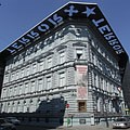 "House of Terror Museum (in Hungarian ""Terror Háza Múzeum"") - Budapeszt, Węgry"