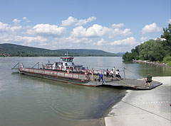 This ferry is almost berthed - Visegrád, Węgry