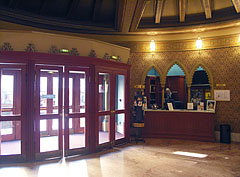Entrance of the Uránia Cinema (Urania Film Theatre) with a ticket office - Budapest, Ungarn