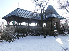 The stone Árpád (or Arpad) Lookout building - Budapest, Ungarn