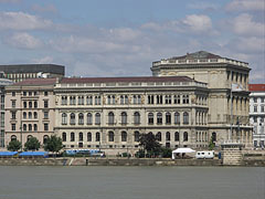 """The Budapest headquarters of the Hungarian Academy of Sciences (HAS, in Hungarian """"Magyar Tudományos Akadémia"""" or MTA) - Budapest, Ungarn"""