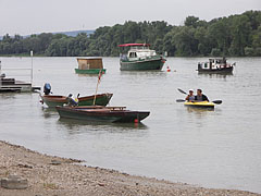 Several kinds of boats in the harbor - Göd, Ungarn