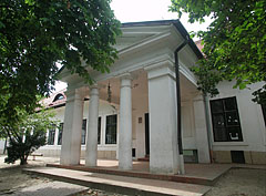 The neo-classical style Kornis Mansion, today a building of the Bezerédj Primary School - Paks, Ungarn