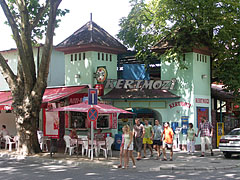 """The outdoor cinema (in Hungarian """"Kertmozi"""") is not operating since some time - Siófok, Ungarn"""