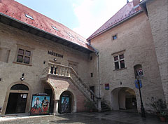 The inner courtyard of the late renaissance castle - Szerencs, Ungarn