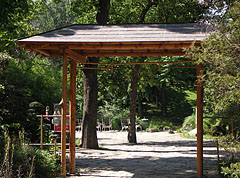 One of the entrances of the Japanese Garden - Boedapest, Hongarije