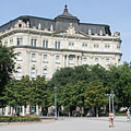 Former Dungyerszky Palace, today modern office building - Budapest, Ungari