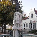"""The """"Seven chieftains of the Magyar tribes"""" fountain - Mátészalka, Ungarn"""