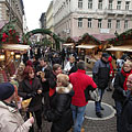 Christmas fair at the Saint Stephen's Basilica - Budapest, Ungern