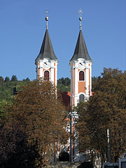 The towers (steeples) of the Pilgrim Church through the trees - Máriagyűd, Ungern