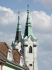 View of the double spires of the St. Anne's Piarist Church - Vác, Ungern