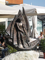 """Mocó"", a bronze sculpture represents a sailboat and a young sailor - Balatonfüred, Hungary"