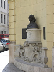 Bust statue of Ferenc Liszt Hungarian composer - Budapest, Hungary