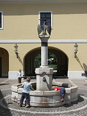 The courtyard of Hamvay Mansion (Local History Museum of Gödöllő), Pelican Fountain - Gödöllő, Hungary