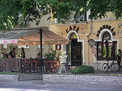 Café Promenad (coffee bar) - Jászberény, Hungary