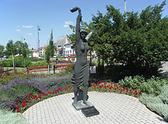 """Torchbearer"" or ""Liberty statue"", a full figure life-size bronz statue of a woman - Nagykőrös, Hungary"