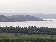 The Tihany Abbey on the peninsula, as well as the houses of Szántód village on the near lakeshore, viewed from the Kőhegy Lookout Tower - Zamárdi, Hungary