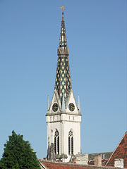 The 57-meter-high tower or steeple of the Sacred Heart of Jesus Church - Kőszeg, ハンガリー