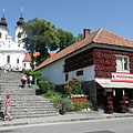 The Paprika House and the wide stairs that lead to the abbey church - Tihany, ハンガリー