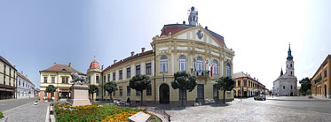 Zrínyi Square, City Hall - Szigetvár, Hungary