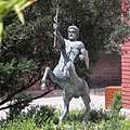 Bronze centaur statue in the park - 布达佩斯, 匈牙利